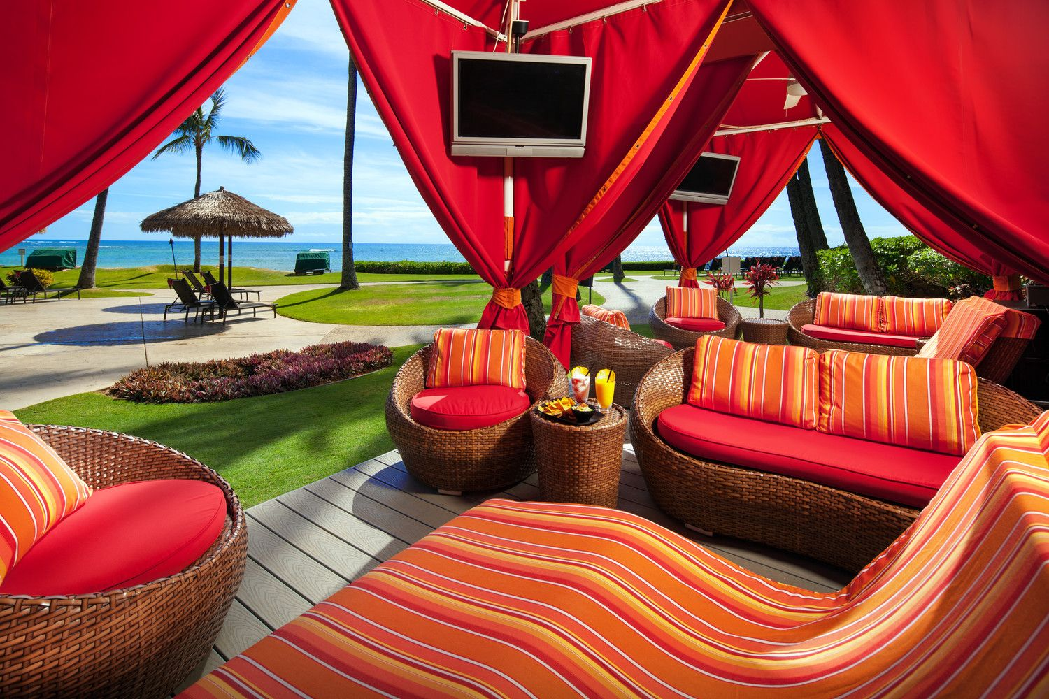Poipu Beach Hotels - Poolside Bungalows